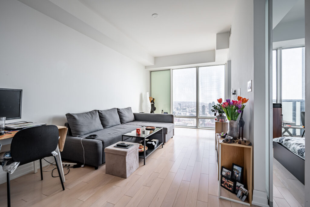 New Volition Listing: Spectacular49th floor unit in L Tower!